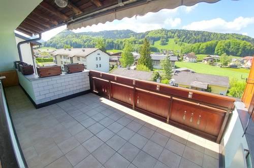 Renovierungsbedürftige Wohnung, sonnig und ruhig in der Ortsmitte von Hof