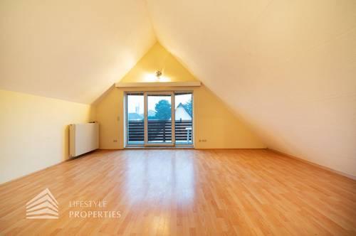 Wunderschöne 3-Zimmer-Dachgeschosswohnung mit 2 Balkonen