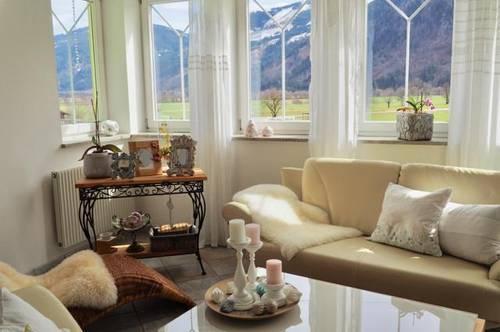 Schöne sonnige Familien Residenz mit Panoramablick