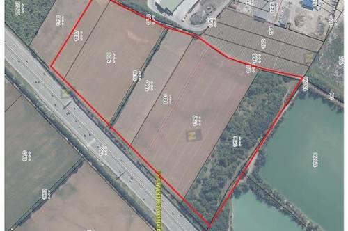 101.871 m2-großes Betriebsbaugrund bei der Autobahn zwischen Wien und Baden