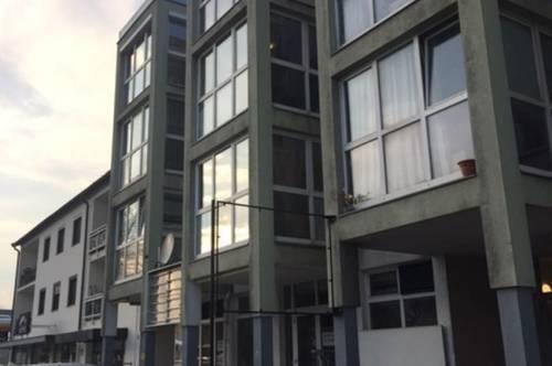 Gut erreichbare 70 m2 Lager mit 3 m Raumhöhe in Hötting