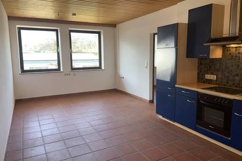 Dein sonnengeflutetes Single-Paradies ca. 42 m2 mit Wohnküche und Schlafzimmer, Bad,WC Keller