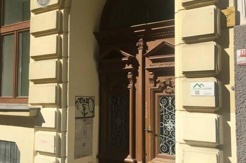 EG Wohnung in ruhiger Seitenstraße mit Extra Abstellraum im Gang!