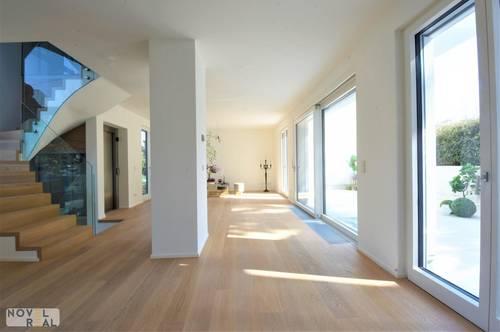 Moderne High-end Villa - zentral und ruhig im Grünen am Fuße des Wilheminenbergs