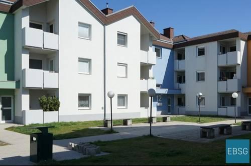 Geräumige Familienwohnung im 1. OG mit Balkon