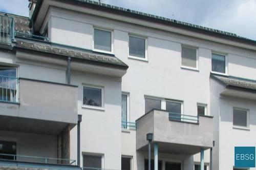 Helle Single- oder Pärchenwohnung im OG mit Balkon