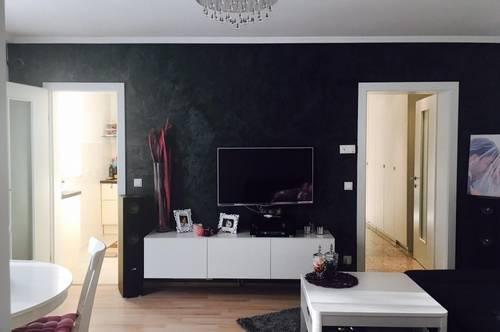 Anleger aufgepasst • Renovierte 3-Zimmer-Wohnung in zentraler Lage