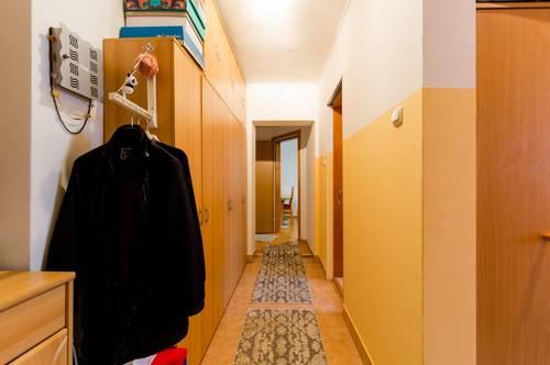 Gepflegte Stadtwohnung • 3-Zimmer Wohnung mit 2 Loggias