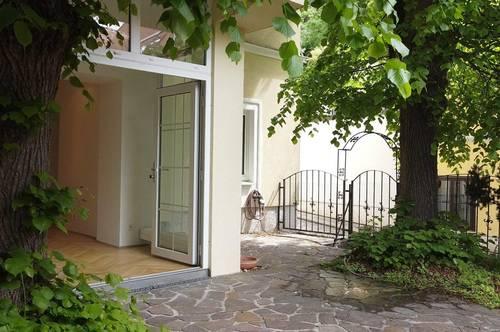 Klimatisierte Altbauwohnung in repräsentativer historischer Villa - 93m2 Terrasse - Garage