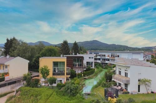 Modernes Einfamilienhaus mit Garten, Galerie und Schwimmteich