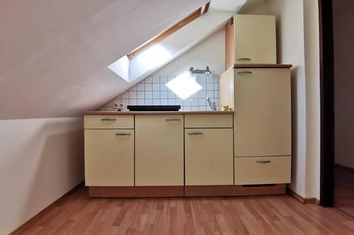 *PROVISIONSFREIE Garconniere mit extra Küche/Essbereich in Top-Lage*