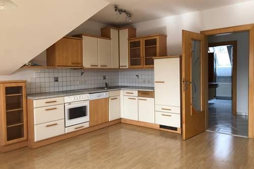 Großzügige 4-Zimmer-Mietwohnung mit sonnigem Balkon zwischen Feldbach und Studenzen
