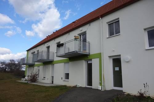 Provisionsfreie! 3-Zimmer-Wohnung mit Carport und großem Kellerabteil