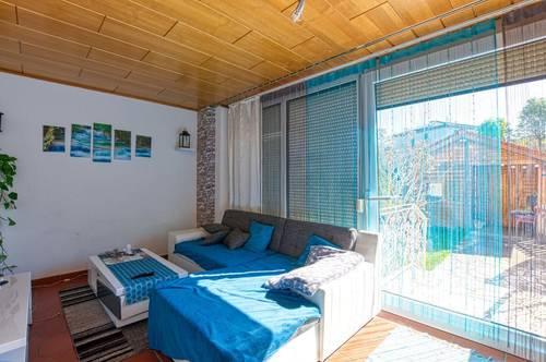 Ruhige Wohnung mit Loggia-Gartennutzung möglich