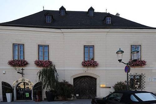 Einzigartiges historisches Bürgerhaus bei Wien - repräsentativ und voller Möglichkeiten