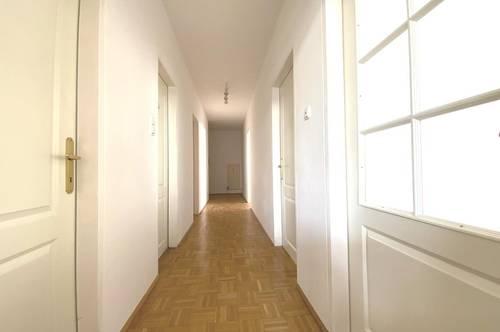 Aigen - Wohnen in Bestlage! 3 Zimmer plus Loggia und Einzelgarage.