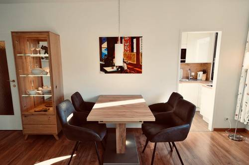 Bright and quiet, exquisitely furnished Tiny-House Apartment in Top City-Location / Sonniges und absolut ruhiges, exquisit möbliertes Apartment in Top City-Lage