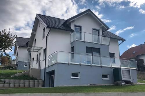 Zwei großzügige moderne Einfamilienhäuser mit schönem Ausblick zu verkaufen - provisionsfrei!