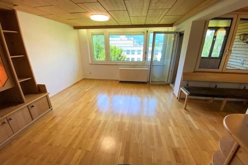 226   Familien und Pärchen aufgepasst: 3-Zimmer-Wohnung mit Westloggia und Autoabstellplatz in VÖLS