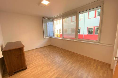 226: Schlichte, interessante 3-Zimmer-Wohnung in Innsbruck Pradl