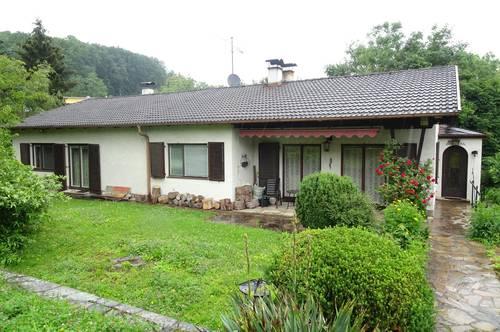 Einfamilienhaus mit Potenzial oder Neubau von 2 Doppelhäusern auf großem Grundstück in Rosental