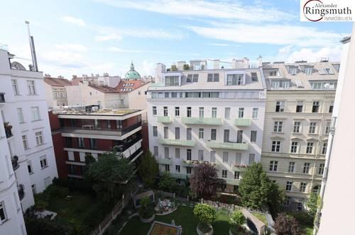 Balkon mit Blick auf Karlskirche - hauseigene Tiefgarage - bodentiefe Vollholzfenster - 5 Minuten zum Belvederegarten - U-Bahnen U1 U2 U4 in unmittelbarer Nähe