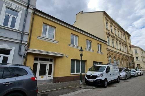 NEUER PREIS! Einzigartig! Gemütliche 3-Zimmer Wohnung + Geschäftslokal im Zentrum von Korneuburg!