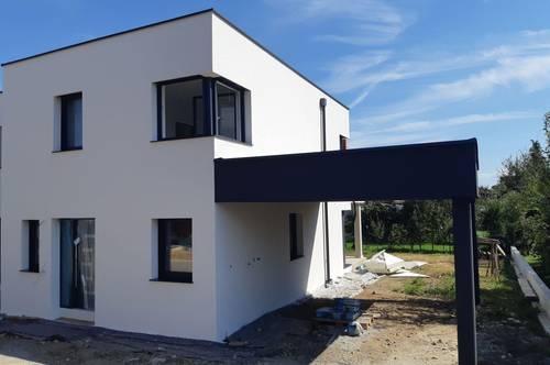 Top moderne Doppelhaushälfte in Erstbezug