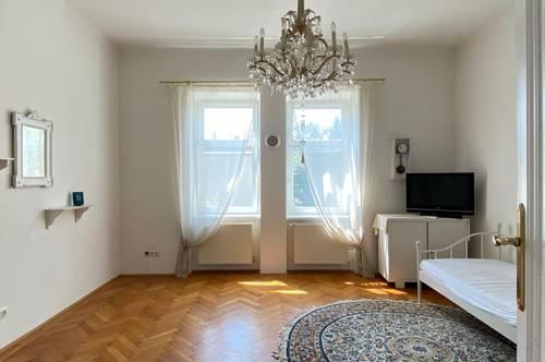 Bezaubernde 3 Zimmer Altbau-Wohnung mit 12m2 Balkon in grüner Zentrumslage