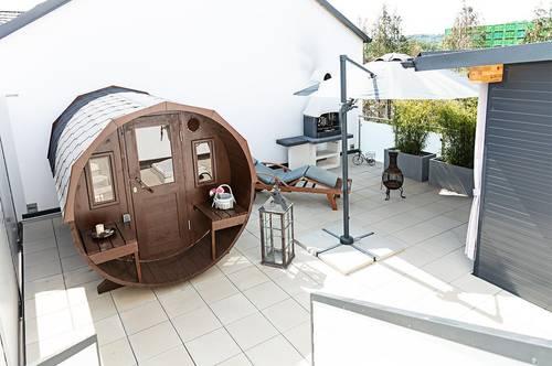 Provisionsfrei!! !!! Penthouse - ganze Etage - Top-Ausstattung! Mit Pool und Sauna