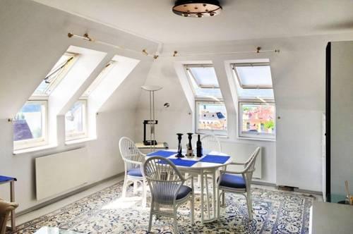 2 selbständige Wohneinheiten mit einer Terrasse, perfekt für Eltern mit Teenagern, Wohnung und Büro kombiniert oder WG-Gründung