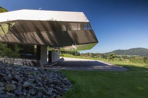 Einzigartige Luxusvilla in idyllischer Alleinlage mit Bilderbuch - Blick auf den Fuschlsee