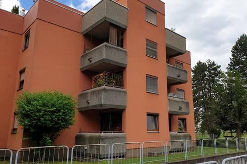 Privatverkauf: 82 m², 3,5 Zimmer naturnahe, angenehme Wohnung; 1 OG. in 3 stöckiger Wohnanlage, Kontakt: 0681 / 205 327 56