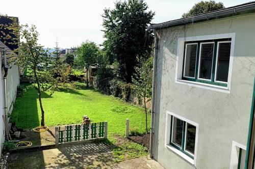 Charmantes verwinkeltes Haus mit Garten und Kellerbüro