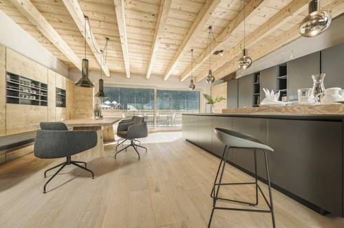 Luxury penthouse available in the centre of town with wonderful mountain views.