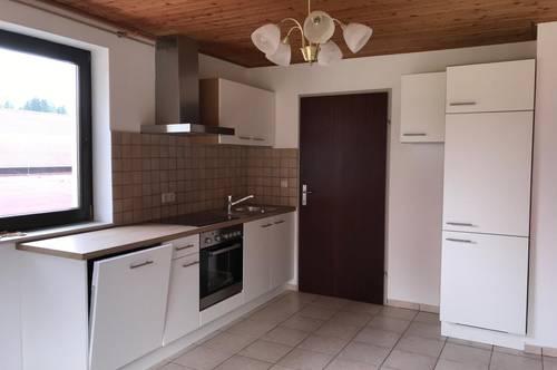 Vermiete schöne helle  50qm. große 2 Zimmerwohnung im Grünen