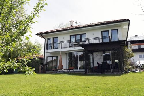 Wohntraum mit Seeblick Einfamilienhaus in Zell am Moos/Irrsee