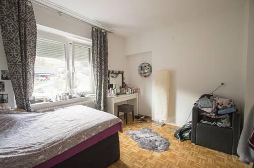 Renovierungsbedürftige Wohnung in ruhiger Lage!
