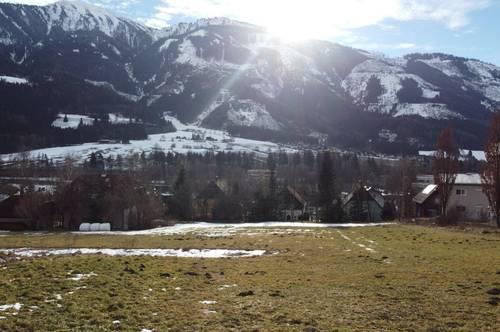 EXKLUSIV: Baugrundstück mit Bergblick.