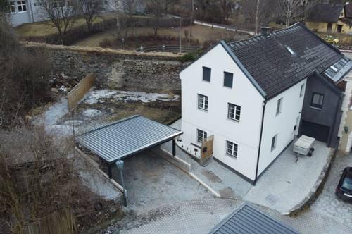 Mehrgenerationenhaus mit Bergblick und guter Infrastruktur.