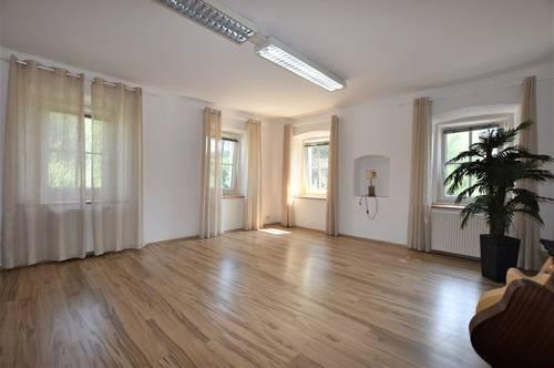 Perfekte Single-, wie Pärchenwohnung mit Innenhofsitzplatz bei Weiz