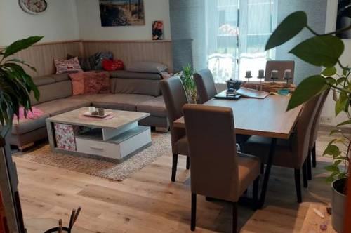 Wohnung mit Garten und Terrasse