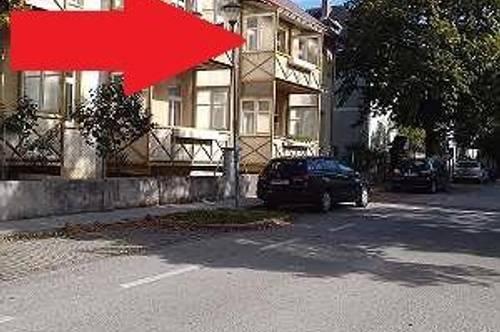 PROVISIONSFREI: Große, sonnige Eigentumswohnung mit perfekter Raumaufteilung (3Zimmer), Loggia, Privatparkplatz und Garten