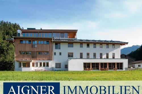 Gebäudekomplex in den Kitzbüheler Alpen mit viel Umbaupotenzial für Ihre individuellen Wünsche