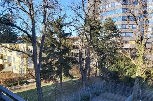 Provisionsfreie Privatvermietung einer entzückenden Erstbezugswohnung inklusive Garage und Balkon mit Blick in den Garten.