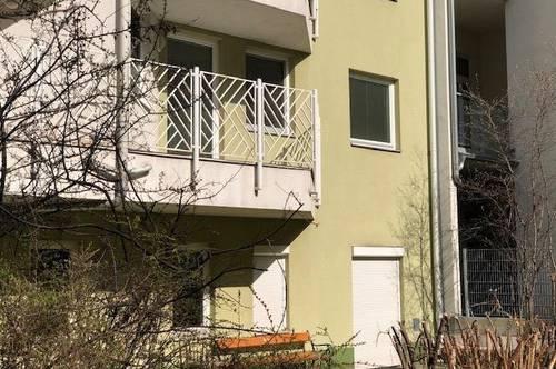 Sonnige 2-Zimmer-Wohnung mit Balkon und Tiefgaragenstellplatz in Rochusmarktnähe