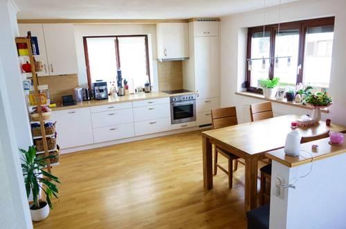 Gepflegte 2-Zimmer Wohnung mit Balkon in zentraler Lage