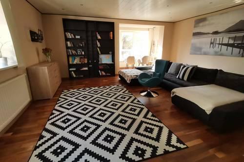 Wohnung mit 4 Zimmer, modern ausgestattet, für Jugendliche oder Familien.