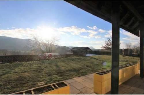 Sonnige, gepflegte Terrassenwohnung mit herrlichem Panoramablick und Seenähe