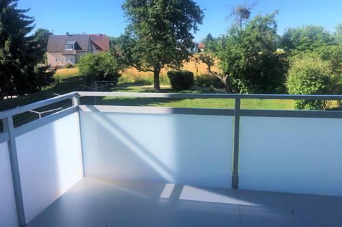 Wohnen in und mit der Natur! Großzügiges Wohnen mit traumhafter Terrasse und sensationellem Ausblick ins Grüne!